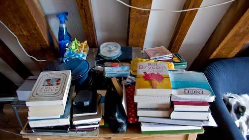 troep met boeken